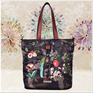 Krissy Camouflage Embroidery Bucket Bag